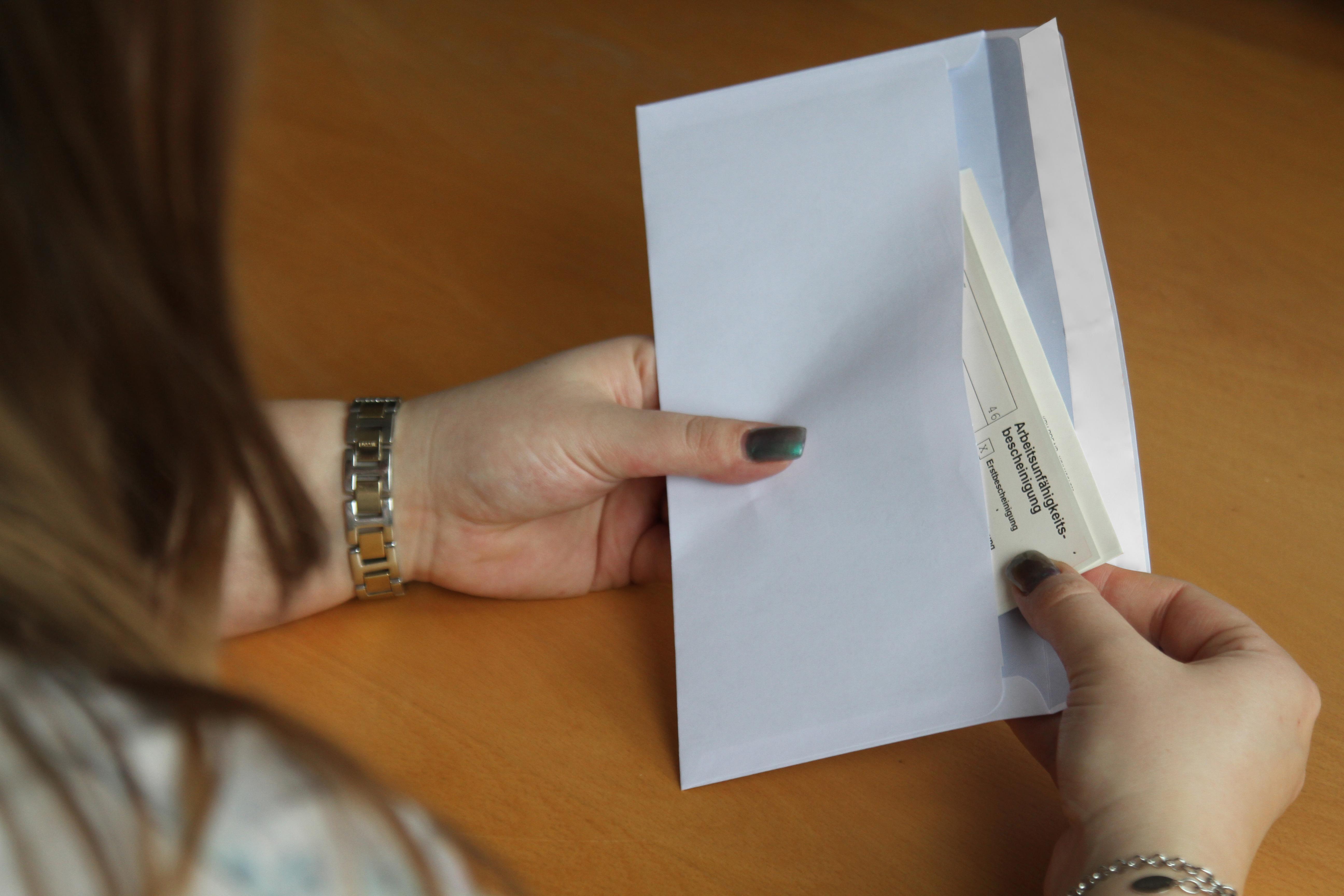 Email krankmeldung schicken per Arbeitsunfähigkeitsbescheinigung