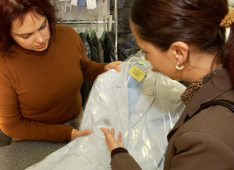 Reinigung kleid beschadigt
