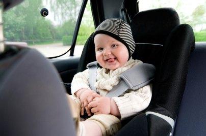 kinder im auto richtig sichern mit kindersitz und babyschale. Black Bedroom Furniture Sets. Home Design Ideas