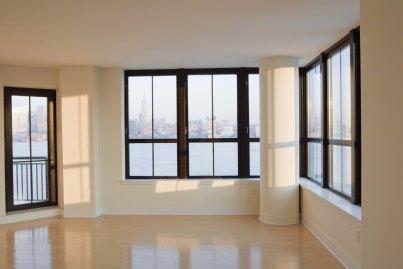 ungesicherte fenster geh ren zu den schwachstellen eines hauses. Black Bedroom Furniture Sets. Home Design Ideas