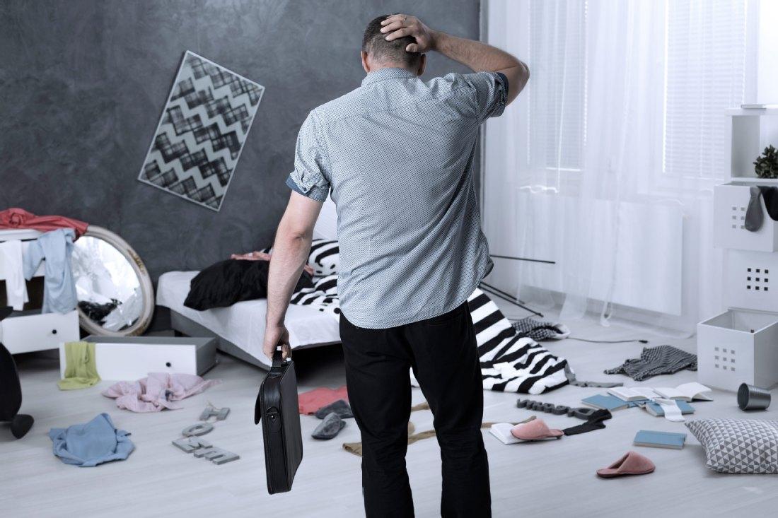 was tun nach einem einbruch. Black Bedroom Furniture Sets. Home Design Ideas